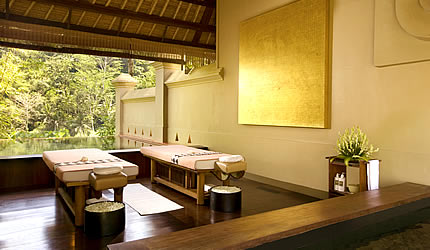 royal kirana spa Ayung Treatment Villa treatment bed